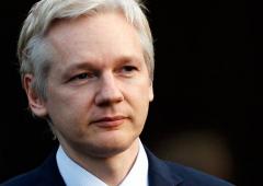 Assange: rischio di rivolte contro dominio dei media