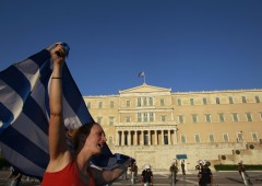 Grecia, servono nuovi aiuti. Merkel bugiarda?