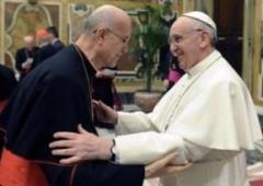 Il Papa licenzia Bertone. Lui: fatto fuori dai corvi
