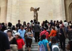 Statua Nike, colletta cittadini per restauro. E in Italia?