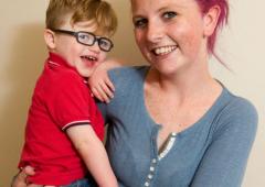 Malattie: il bambino che non riesce a smettere di sorridere
