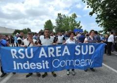 """Indesit """"vuole rimanere in Italia"""". Con esuberi"""