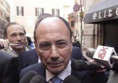 A Roma scontro perenne sull'ex premier