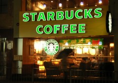 Starbucks vieta l'ingresso ai possessori di pistola