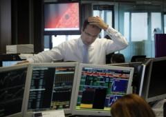 Borsa Milano: tracollo del 3%, svendute auto e banche