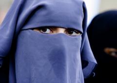 Canton Ticino, stop al Burqa: divieto in costituzione