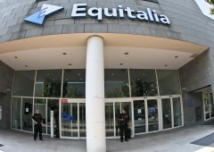 Equitalia, verso azione legale di massa contro tassi usura