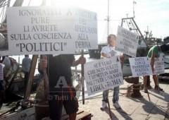 Letta, Alfano e Barroso insultati a Lampedusa