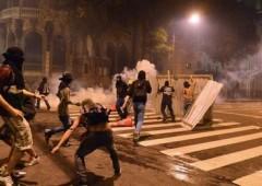 Brasile: scontri e violenze tra black bloc e polizia