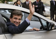 Peugeot resta francese (per ora). Resiste all'assalto cinese