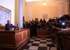 Pdl a un passo da scissione. Berlusconi riesuma Forza Italia, Alfano come Fini