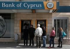 Cipro: continua emorragia di depositi dalle banche