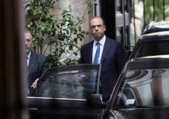 Da Berlusconi ultima chiamata ad Alfano