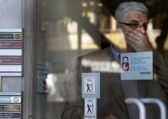 Contanti: lo zelo sospetto delle banche