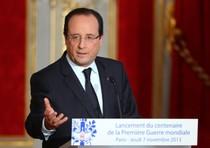 """Francia: """"Hollande fischiato, scontri agli Champs Elysees"""