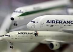 Alitalia: Air France si sfila, ancora niente aumento