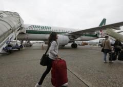 Piano Alitalia: forte taglio costi, 2.000 esuberi. Air France contro