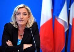 """Le Pen: """"Uniamoci contro l'euro per rilanciare l'Europa"""""""