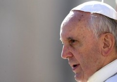 Vaticano: Papa Francesco marca stretto lo Ior