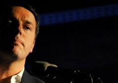 Soldi ai partiti, maggioranza rimanda ancora. Sfida tra Renzi e Grillo