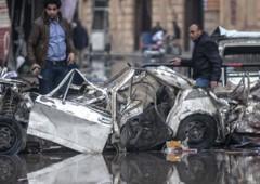 Caos Egitto: bomba contro polizia, 14 morti