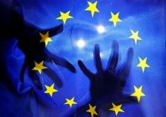 """""""L'Ue strangola la democrazia"""""""