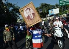 Bangkok sotto assedio, manifestanti vogliono paralisi