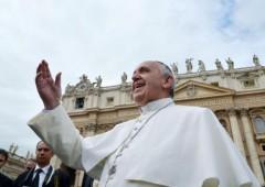 Papa Francesco avvia Spending Review e santi low cost