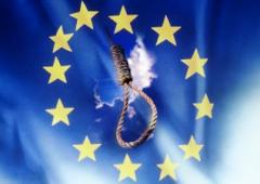 """M5S all'attacco: """"fiscal compact ha condannato a morte l'Italia"""""""
