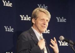 """Shiller, Nobel Economia: """"azioni e mattone troppo alti, rally potrebbe finire male"""""""