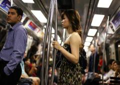 Banchiere inglese insulta la gente povera di Singapore, esplode polemica in rete
