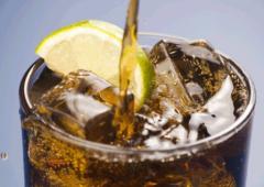 Diet soda: la peggiore bibita in assoluto. Si finisce con il mangiare di più