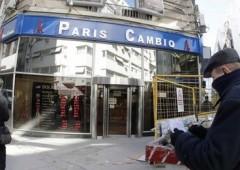 Argentina fuori tempo massimo: limitati acquisti in dollari