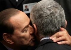 Cosa non si fa per il potere. Casini, l'ultimo voltafaccia per far vincere Berlusconi