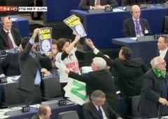 Napolitano contestato dalla Lega Nord al Parlamento Europeo