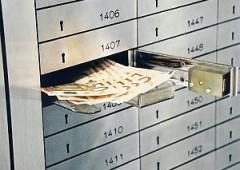Corsa alle cassette di sicurezza per evitare la patrimoniale