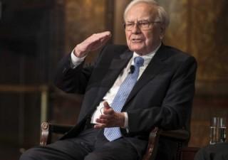 Warren Buffett punta sull'oro e lima partecipazioni nelle banche Usa