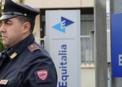 Bufera su Equitalia, otto arresti: mazzette per interrompere i controlli