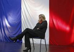 """Grillo: """"Abolire Equitalia"""". Le Pen: """"E' un provocatore che non offre soluzioni"""""""