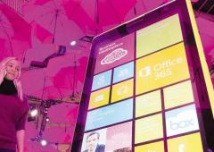 """Cala il sipario su Nokia, diventerà """"Microsoft Mobile"""""""
