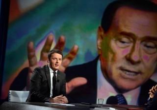 Berlusconi e Grillo nel mirino di Renzi: 'due facce della stessa medaglia'