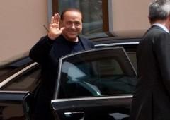 Berlusconi, primo giorno ai servizi sociali. Atteso da fan e contestatori