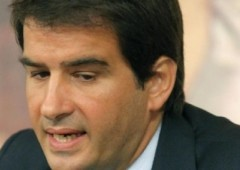 """Forza Italia, l'exploit di Fitto. """"Ora primarie"""". Ma Berlusconi lo gela"""