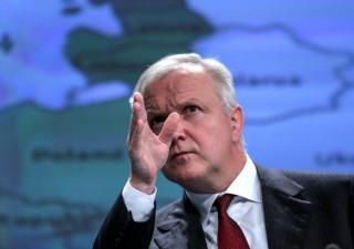 Rehn (BCE) loda l'Italia: