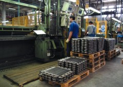 Alert manifatturiero, crollo produzione -25% in 13 anni
