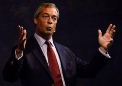 Europa, M5S sceglie destra nazionalista di Farage
