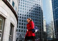 La banca numero uno in Europa congela assunzioni e stipendi
