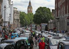 Semaforo verde per Uber, diventa legale anche a Londra