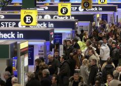 Allarme bombe invisibili, negli aereoporti di Londra è fobia