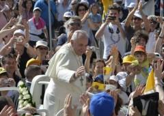 """Papa Francesco: """"Non si può perdere una generazione"""""""
